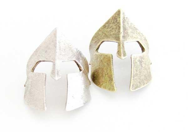 helmet pendant