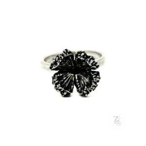 dainty flower ring
